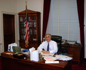 Rep. Barney Frank still calling to keep high loan limits.