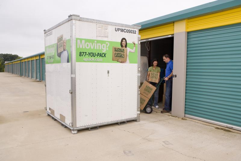 Loading a rental container