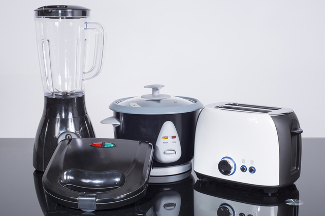 how-to-pack-small-appliances.jpg