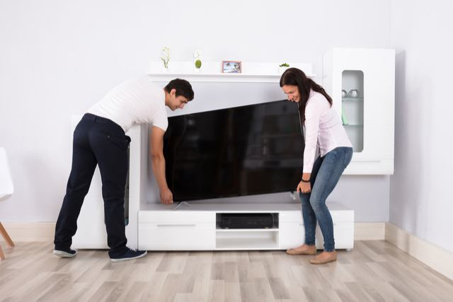 moving-a-large-screen-tv.jpg