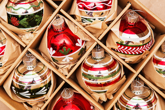 packing-christmas-ornaments.jpg