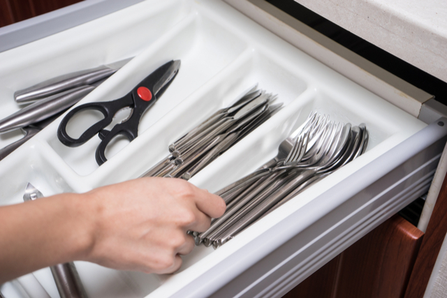 packing-silverware.jpg
