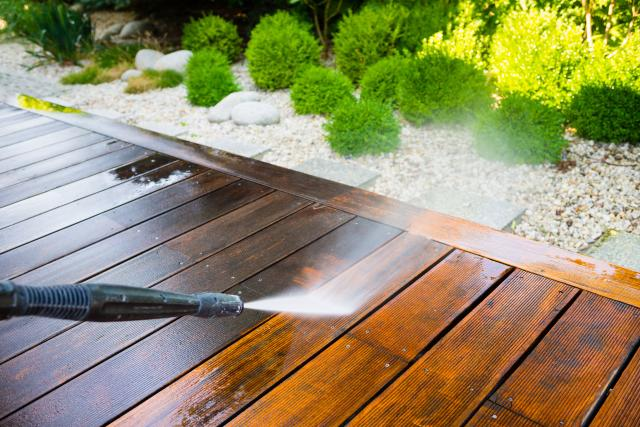 power-washing-deck_0.jpg