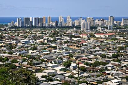 Moving to Hawaii gives you the best of both worlds: city life and the beach!