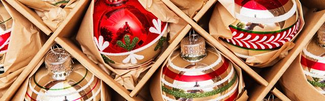 How to Pack Christmas Decorations for a Move